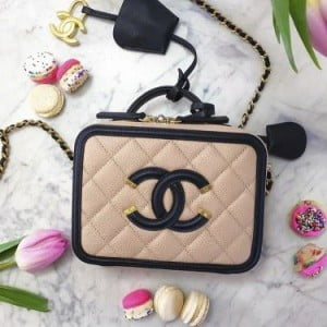 Chanel Vanity Case Takes Us Back In Time Pursebop