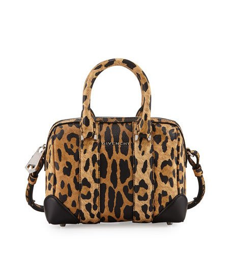 12c5846e98 Have you been looking for a new handbag but haven t been able to strike  because the price just isn t right  Try your luck by shopping many of the  fabulous ...