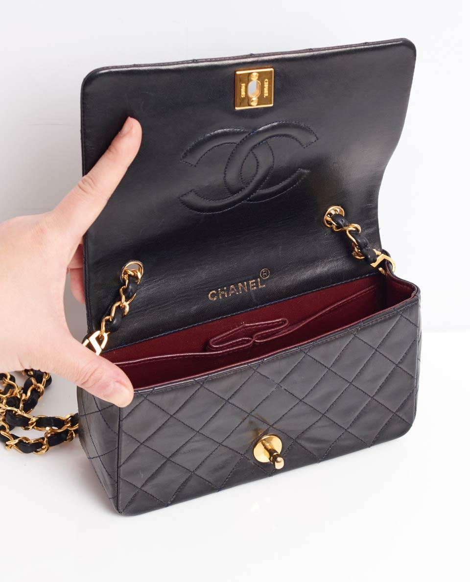 b79c0b58efd9 Bag Interiors. Chanel Classic Flap ...