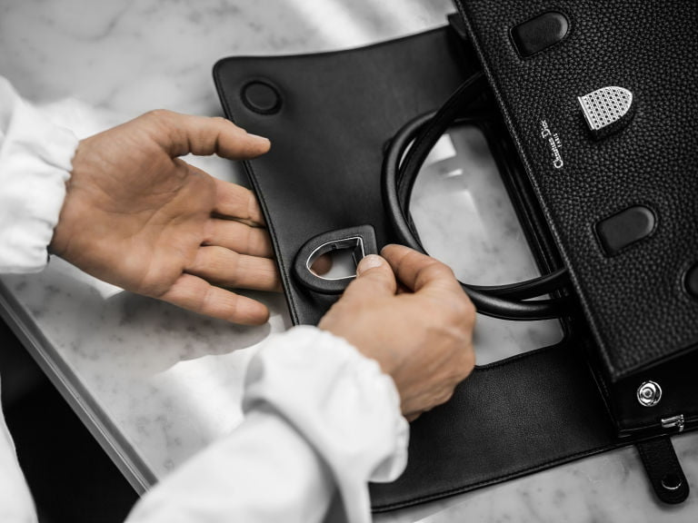 gallery-1459934520-dior-bag-video-making