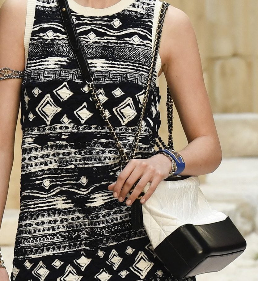 Chanel-WhiteBlack-Gabrielle-Hobo-Bag-Cruise-2018-e1493847460558