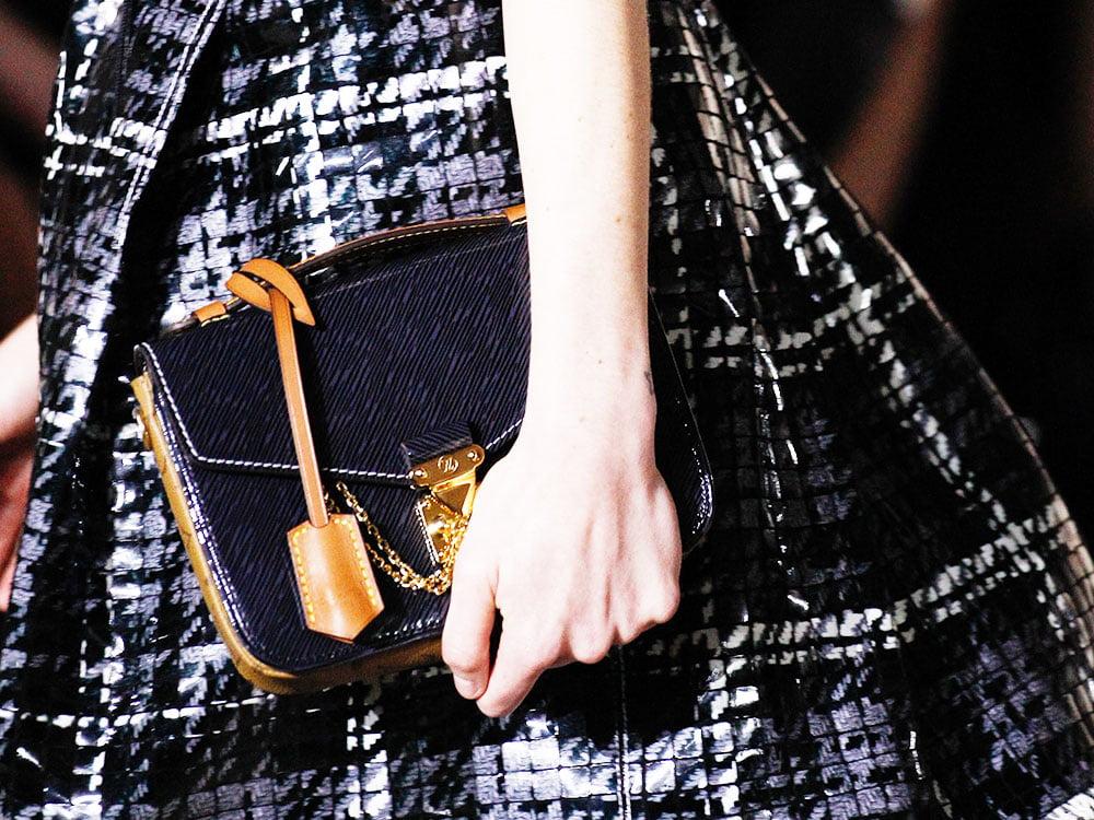 Louis-Vuitton-Pochette-Metis-Mini-Bag