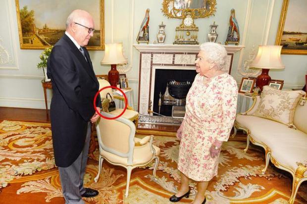 Queens Handbag Signals