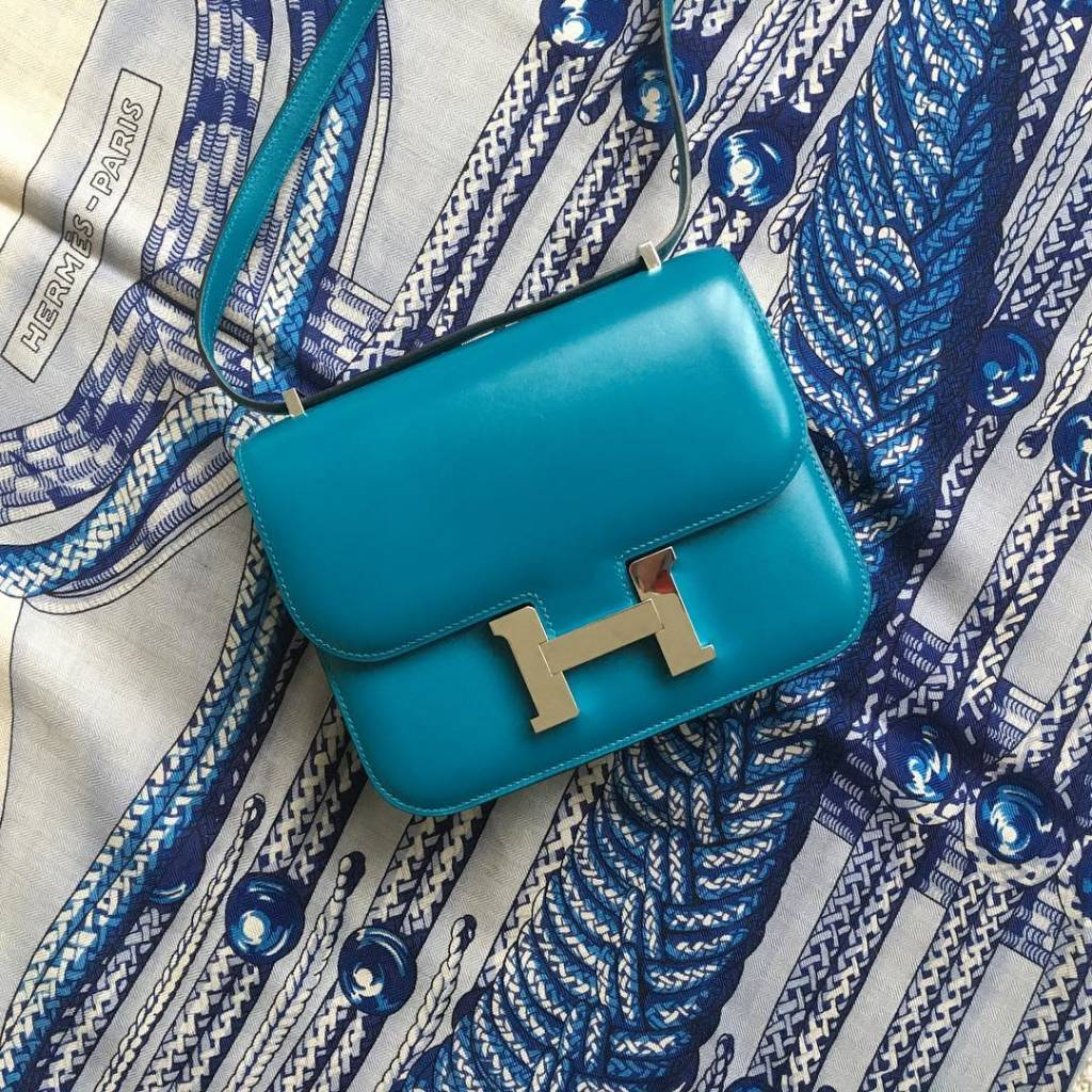 Click photo to read more about @kugzz's experience of swapping out a mini Chanel for this beautiful Constance