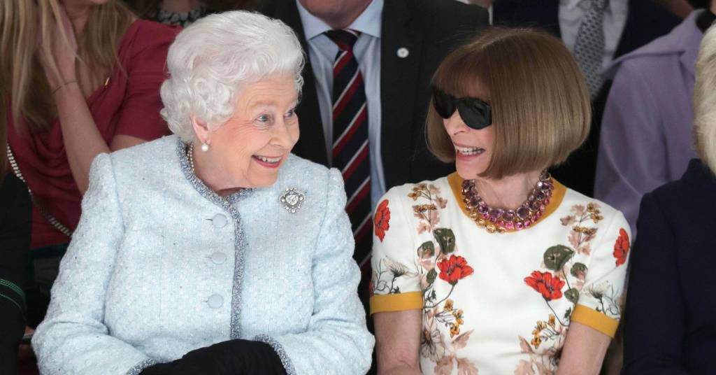 The Queen and Anna Wintour. Photo courtesy: KGC-375/STAR MAX/IPx