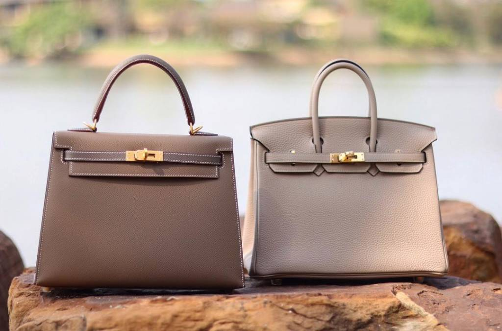 Kelly 25 Etoupe VS Birkin 25 Gris Touterelle. @pretty_purses