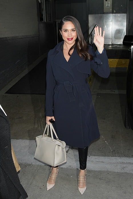 meghan-markle-white-celine-bag-a