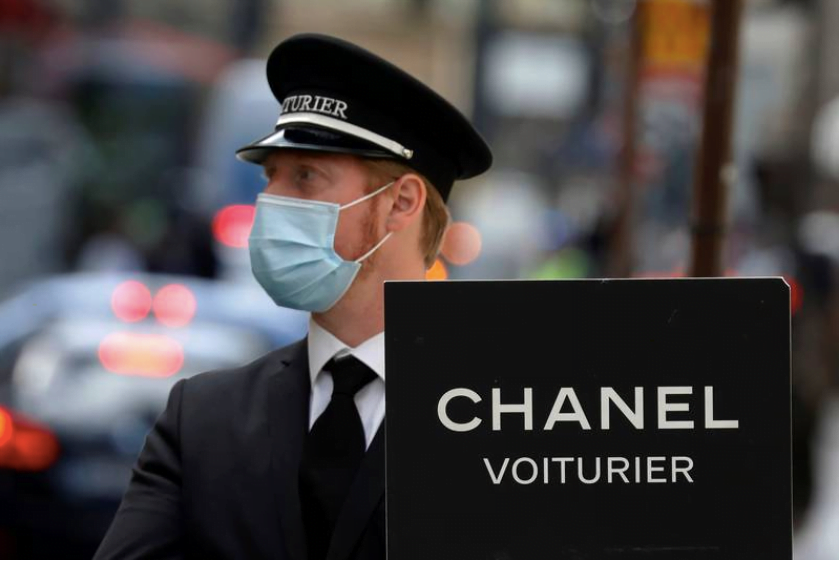 Chanel Foresees economic downturn