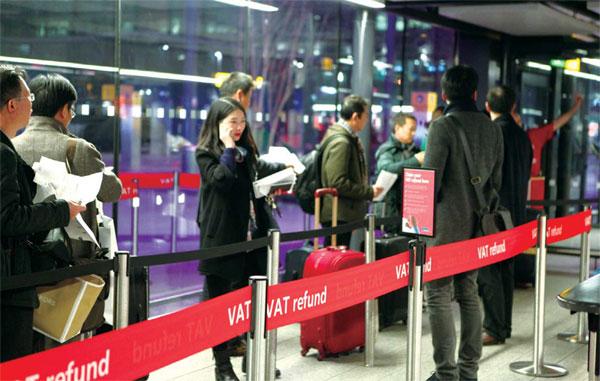 Chinese tourists at UK VAT