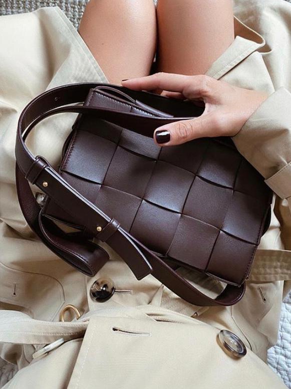 Understated and Iconic Bottega Veneta Bag