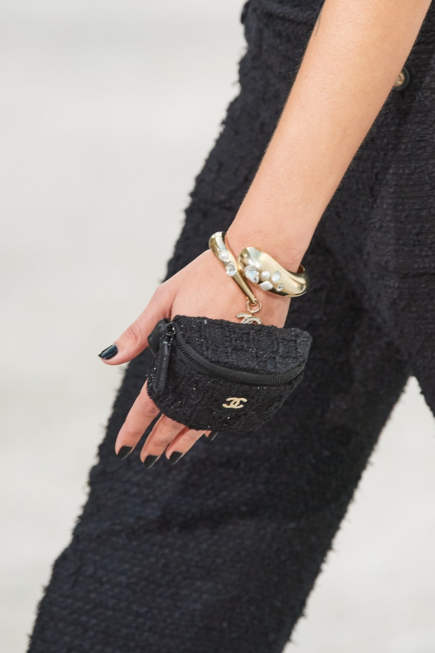 Handheld Chanel Spring 2021