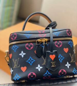 Louis Vuitton Game on vanity pm black white cruise 2021 collection coeur bag LV heart bag