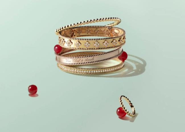 VCA bracelet stacking
