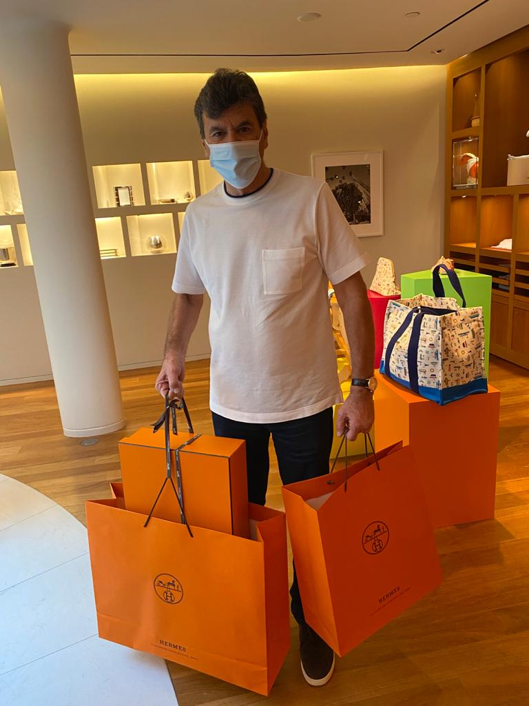 Shopping at hermès