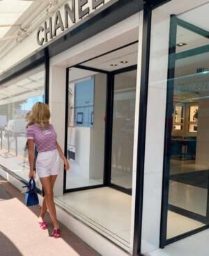 Luxury handbag sales rise